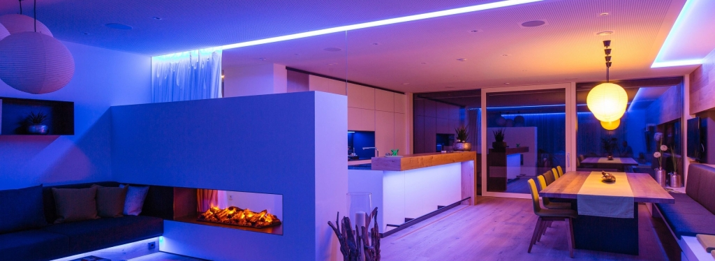 Meekol Smart Home with automated LED feature lighting